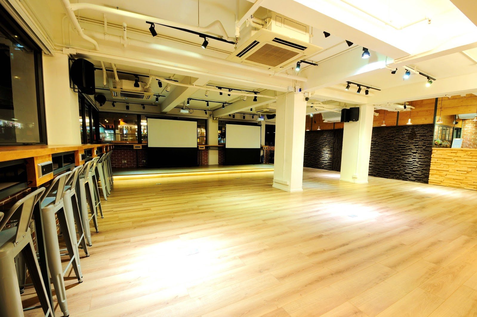 The Hub – Shared Office Space in Wan Chai, Hong Kong