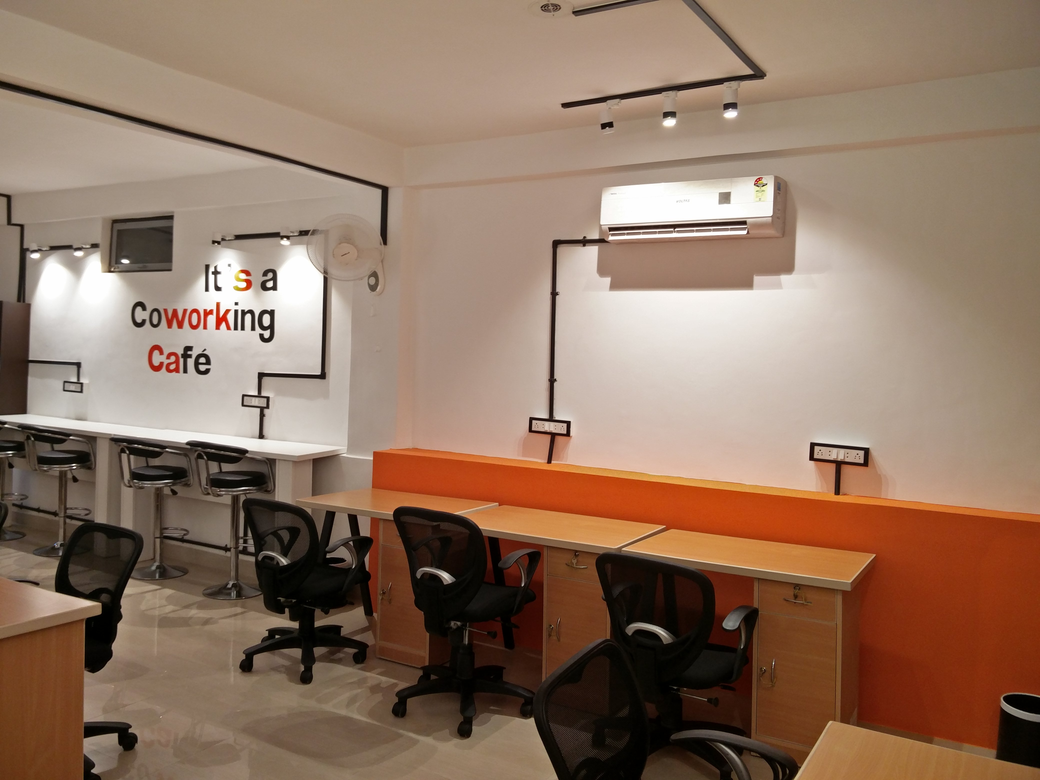 Suits Cafe Coworking space Jaipur Kowrk